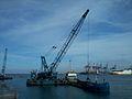 Drague à Penne en action au port de Casablanca.jpg