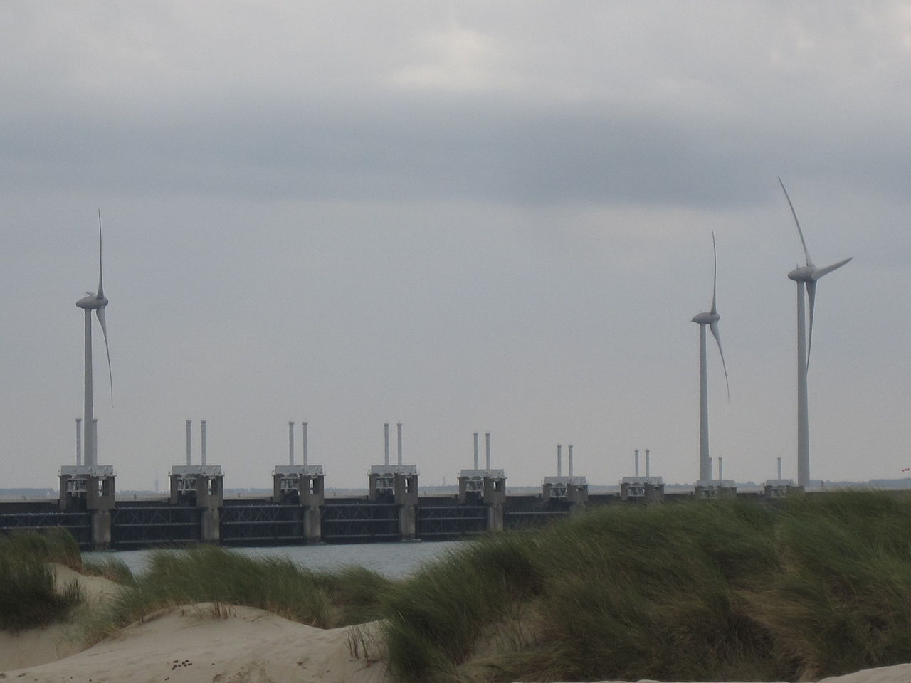 File Eastern Scheldt Storm Surge Barrier Near