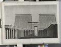 Edfou (Idfû) (Apollinopolis Magna). Vue perspective du pylône et de la cour du Grand Temple (NYPL b14212718-1267890).tiff