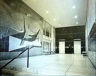Edificio del Seguro Médico, Havana - Residential lobby entrance from Calle N, mural by Mariano Rodriguez