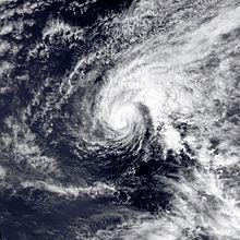 Ein kleiner, intensiver Hurrikan mitten im Pazifischen Ozean.