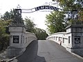 Elmwood Cemetery Entrance - panoramio.jpg