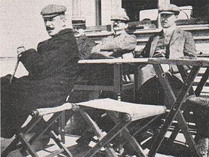Emil Brass, Im Reiche der Pelze, Seite 216, Leipziger Rauchwarenhändler an Deck eines Wolgadampfers nach Nishnij.jpg