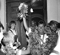 Erika Salumäe vastuvõtt Raekoja platsil 1992.jpg