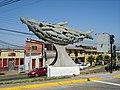 Escultura en la avenida Videla - panoramio.jpg