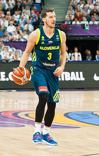 Goran Dragić - Dragić with Slovenia in 2017