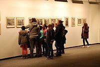 Visite de l'expo photo par une classe de primaire