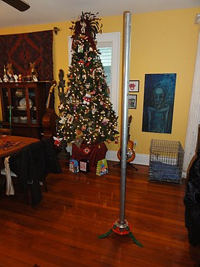 Festivus Pole in New Orleans.jpg
