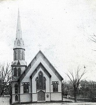 First Baptist Church (Methuen, Massachusetts) - First Baptist Church with its original steeple, circa 1900