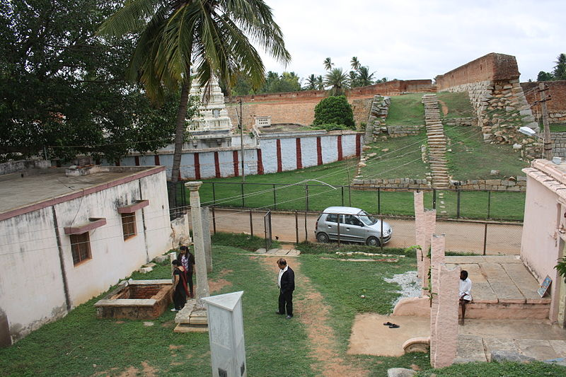 File:Fort Devanahalli.JPG
