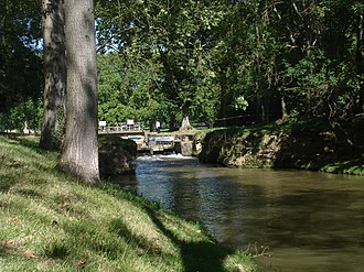 Seuil de Naurouze - Image: France Canal du Midi bief de partage 1