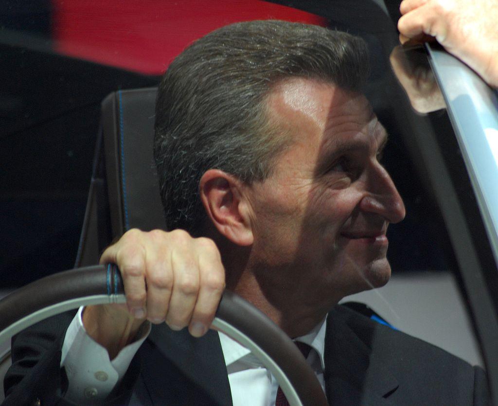 Günther Oettinger IAA 2011.JPG
