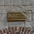 Gedeelte van bakstenen trapgevel, detail gevelsteen - Limbricht - 20337842 - RCE.jpg