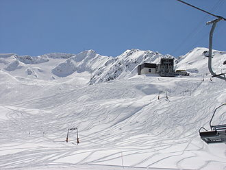 Gemsstock - The Gemsstock Glacier is seen on the left, and the middle cable car station on the right.