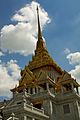 Gold-tipped Wat Traimit (6491902587).jpg