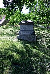 Grave of Admiral David Dixon Porter 03 - Arlington National Cemetery - 2012-05-19.jpg
