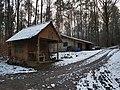 Hütte im Wald zwischen Hochhausen und Tauberbischofsheim neben der Panzerstraße - 1.jpg