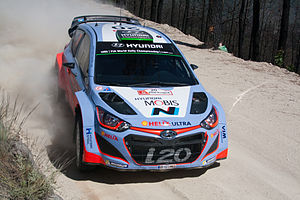 Hayden Paddon - Paddon driving at the 2015 Rally de Portugal.