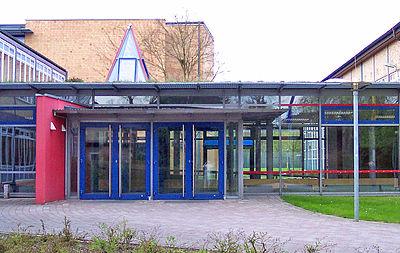 HPS - Eingang - cropped.jpg
