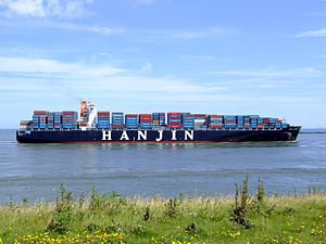 Hanjin Tianjin p7 approaching Port of Rotterdam, Holland 08-Jul-2007.jpg