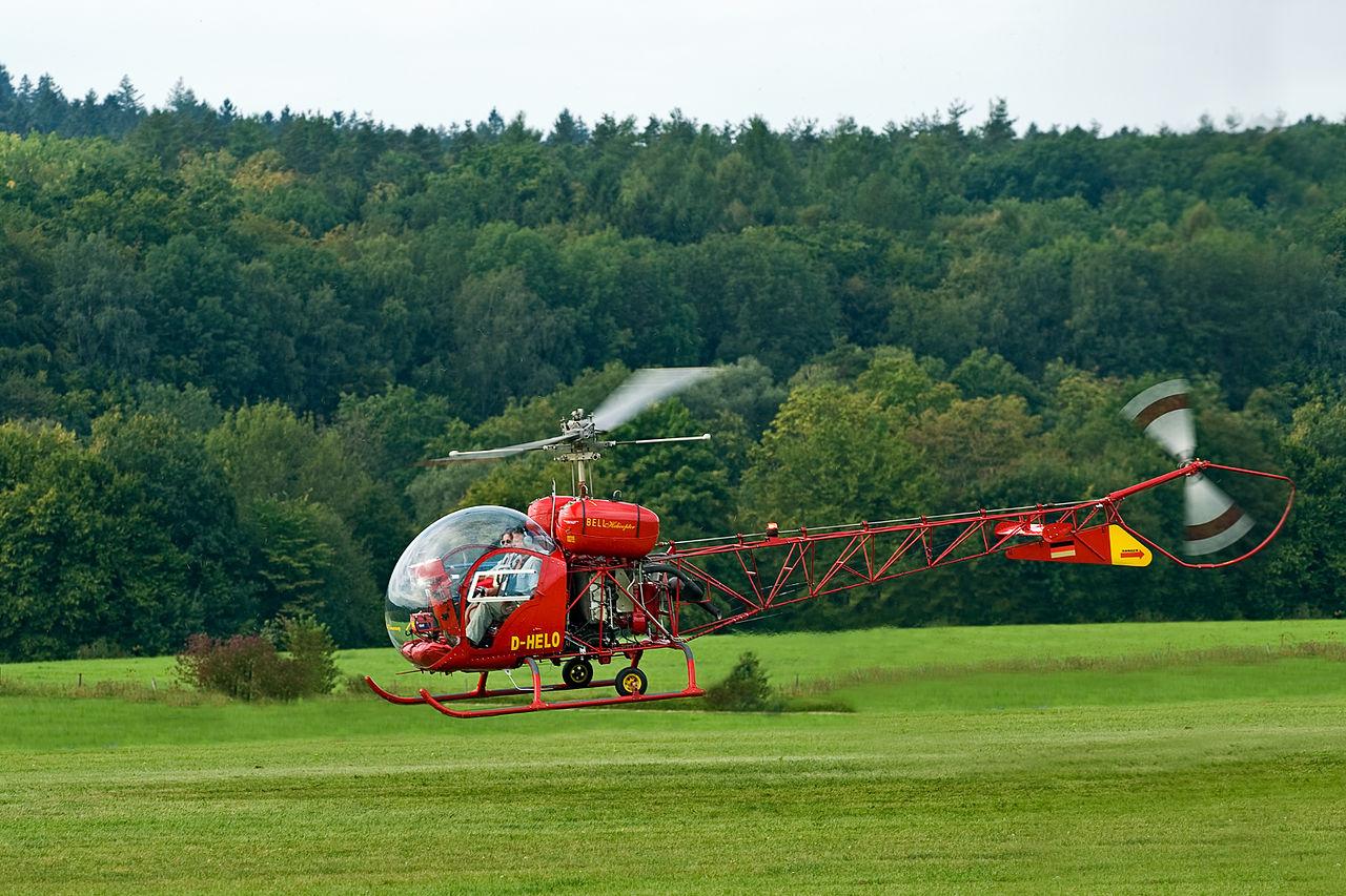 Helicopter Bell 47.jpg