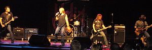 English: Canadian hard rock band Helix in conc...