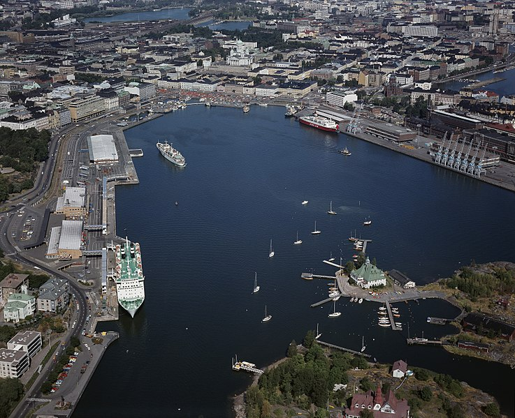 File:Helsinki South Harbour 1975 HKMS000005 000007bo.jpg