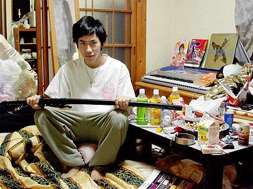 Hikikomori, Hiasuki, 2004