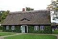 Historisches Bauernhaus in Gingst (Rügen) (1) (12049666585).jpg