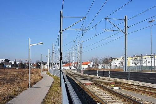 Hochstrecke Linie26 Kreuzung Forstnergasse.jpg