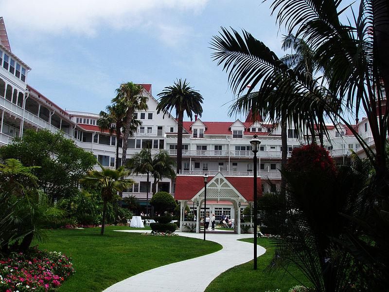 File:Hotel Del Coronado 2004.jpg