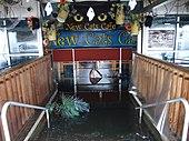 Powódź w restauracji w Nowym Jorku spowodowana huraganem Sandy