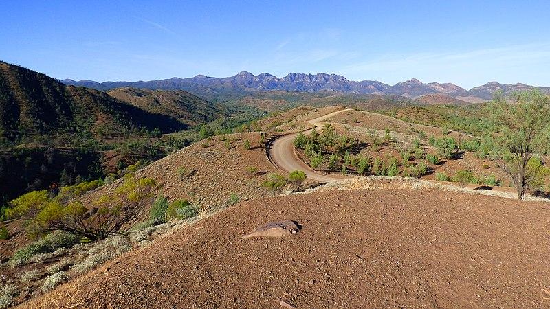 File:Ikara-Flinders Ranges National Park 01.jpg