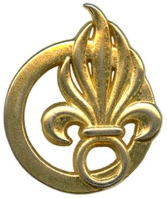 Foreign Legion Command - Image: Insige de béret COMLE Type 2