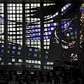 Interieur kerkzaal, deel van glaswand aan de zuidzijde - Heemstede - 20429466 - RCE.jpg