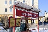 Ischlerbahnstraße Haltestelle Tafel.jpg