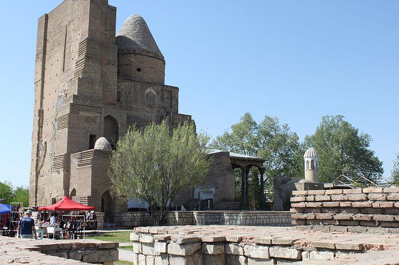 File:Jahangir Mausoleum in Shahrisabz 1.JPG