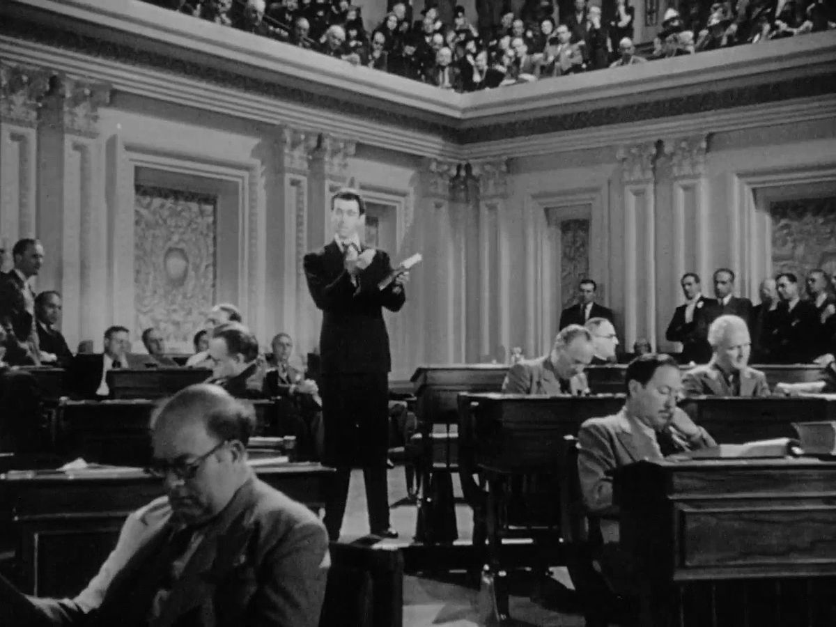 Резултат с изображение за драматичен игрален филм Господин Смит отива във Вашингтон.