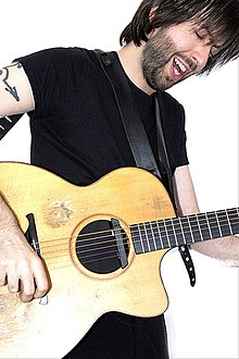 Jon Gomm by Danny North.jpg