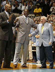 Jordan tra James Worthy e Dean Smith a48074543ece