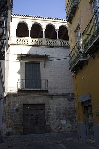 Real Academia de Bellas Artes de Santa Isabel de Hungría - The House of the Pinelos (Casa de los Pinelo) is a mansion of the 16th century decorated with millstones
