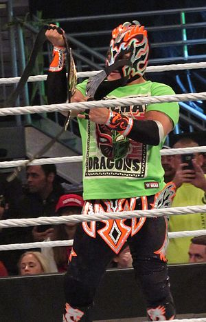 Kalisto (wrestler) - Kalisto posing with the United States Championship belt in January 2016