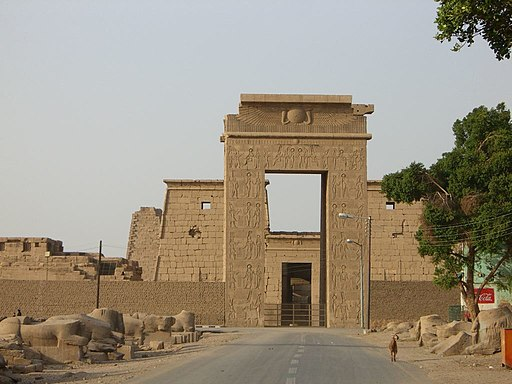 Karnak Khonsou 080501