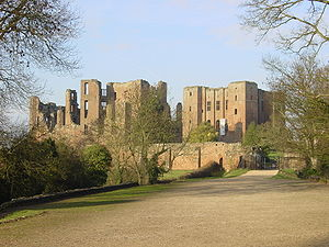 Kenilworth Castle - Image: Kenilworth Castle gatehouse landscape