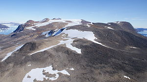 Kiatassuaq Island - The central mountain ridge in the interior of the island
