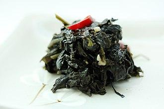 Perilla oil - Kkaennip-deulgireum-bokkeum (perilla leaves stir-fried in perilla oil)