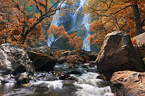 Klonglan waterfall 03.jpg