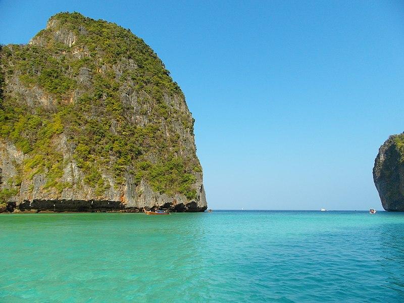 File:Koh Phi-Phi, Maya Bay, 2013 march - panoramio (1).jpg