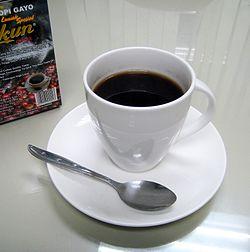 Det färdiga sibetkaffet i kopp.