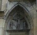 Kreuzigungsgruppe mit Pelikan, Stiftskirche Stuttgart.jpg
